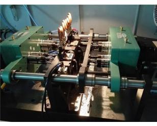 电磁阀阀体安装孔两卧钻孔专机