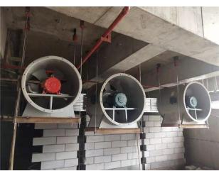 萬達城酒 店會議廳空調及消防排煙管道安裝現場